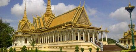 Royal Palace, Phnom Penh is one of เที่ยว Phnom Penh.