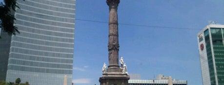 Monumento a la Independencia is one of Mis lugares en México DF.