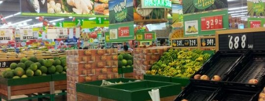 Giant Hypermarket is one of Shopping Malls.