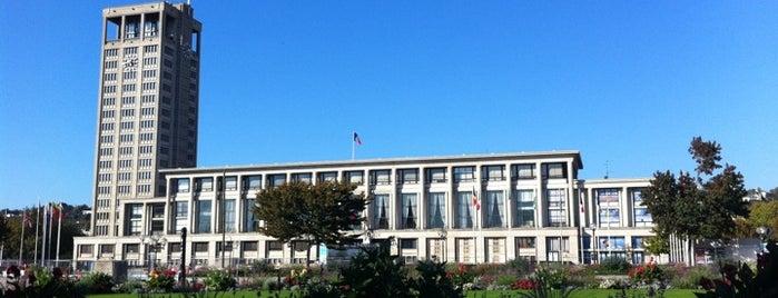 Place de l'Hôtel de ville is one of Le Havre #4sqCities.