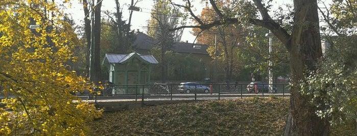 Kelemen László utca (56, 56A, 59B, 61) is one of Budai villamosmegállók.