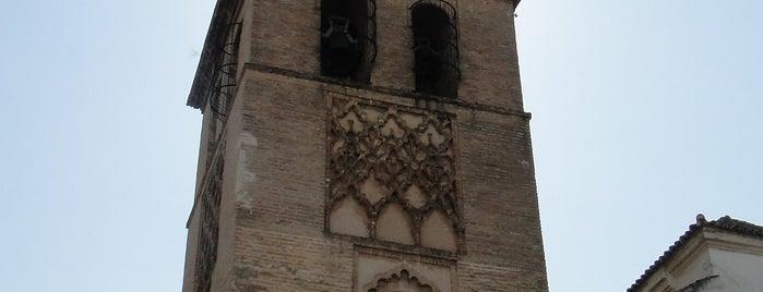 Church of Omnium Sanctorum is one of 11 edificios religiosos de interés turístico.