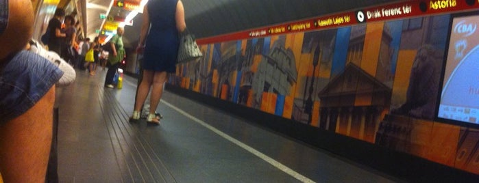 Deák Ferenc tér (M1, M2, M3) is one of Budapesti metrómegállók.