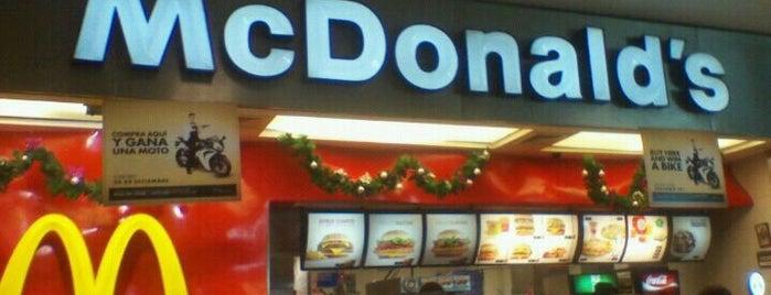 McDonald's is one of Hamburguesas en Lima!.