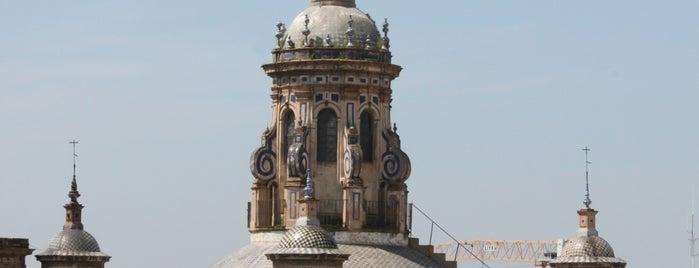 Iglesia de la Anunciación - El Valle is one of 11 edificios religiosos de interés turístico.