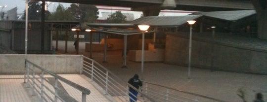 Metro Grecia is one of Peñalolén.