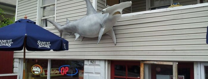 Hammerheads is one of Favorite Restaurants in the 'Ville.