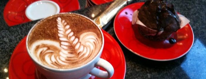 The Family Coffee Shop is one of Onde comer em Floripa: delícias p/ o café da tarde.
