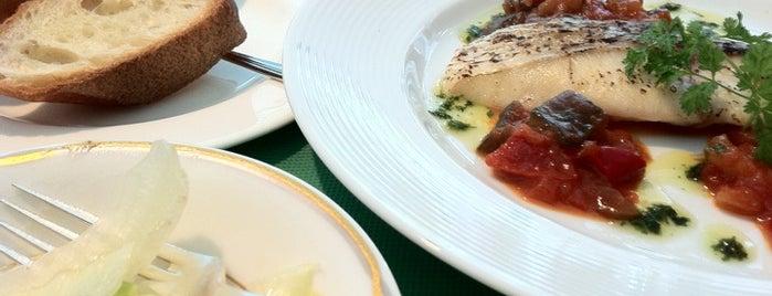 ホテルオークラ ガーデンテラス is one of 気になるカフェ・レストラン.