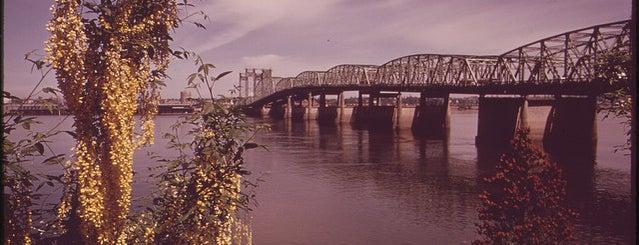 Interstate Bridge is one of Documerica.