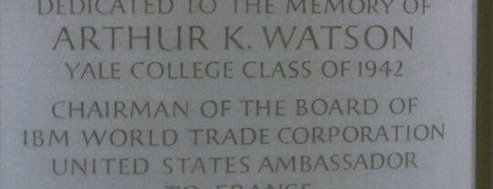 Arthur K Watson Hall is one of Yale Hangouts.