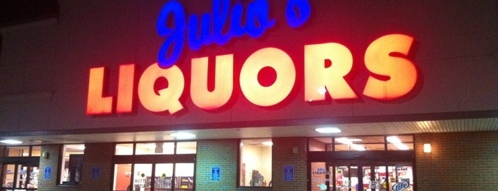 Julio's Liquors is one of WOOCard Venues.