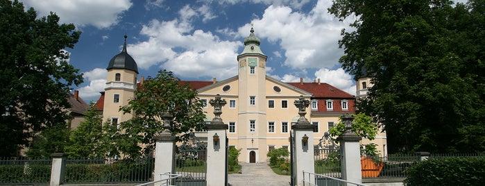 Schloss und Park Hermsdorf is one of Burgen und Schlösser.
