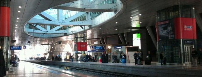 Frankfurt (Main) Flughafen Fernbahnhof is one of Top 40 Foursquare Bahnhöfe.