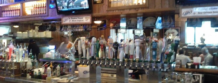 Miller's Naples Ale House is one of Seminole Club Football Game Watching Parties.