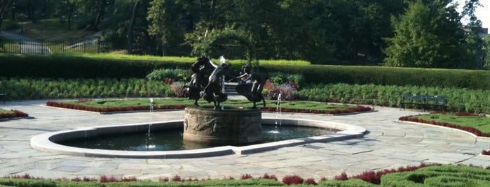 Central Park - Conservatory Garden is one of When in New York....