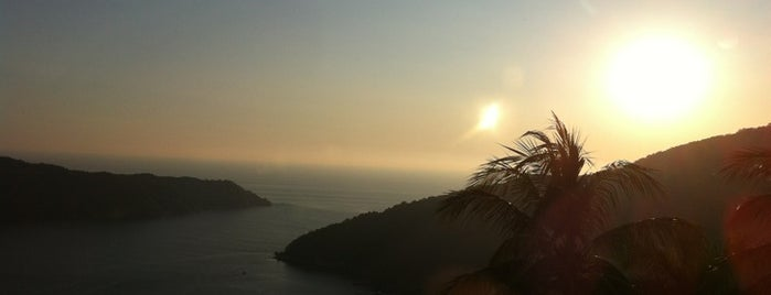 Sirocco is one of Acapulco.