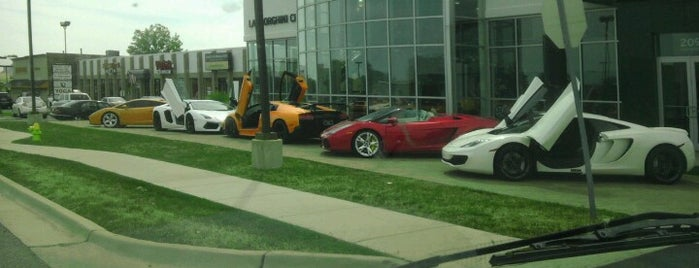 Lamborghini Chicago is one of 주변장소5.