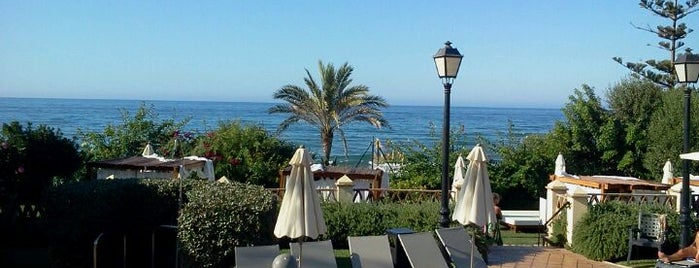 Nikki Beach Marbella is one of 101 cosas en la Costa del Sol antes de morir.