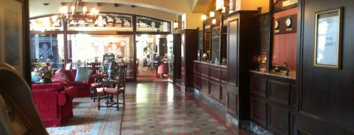 Hôtel Clarendon is one of Hotels.