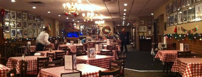 Chef's Restaurant is one of Must see places in Buffalo for tourists #visitUS.
