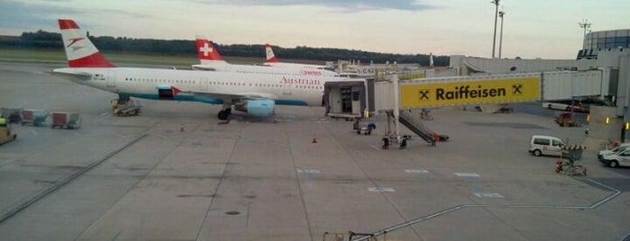 Vienna International Airport (VIE) is one of Free WLAN.