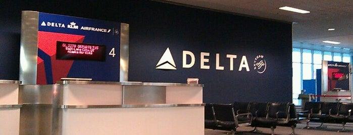 Gate B4 is one of Cincinnati Airport.