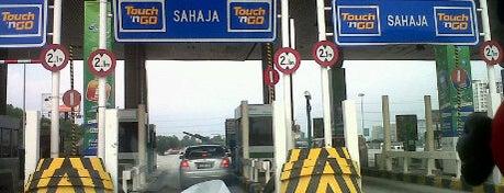 Lebuhraya Persekutuan (Federal Highway) is one of Highway & Common Road.