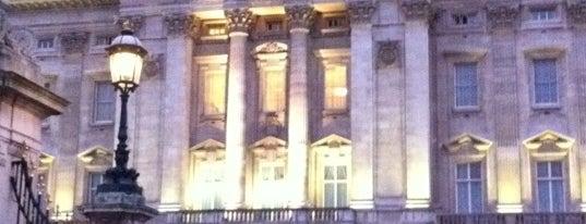 Buckingham Palace is one of World Sites.