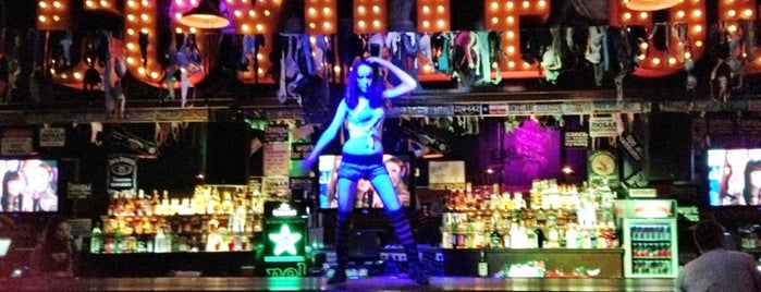 Гадкий койот / Coyote Ugly is one of Барыыы, клубешники.
