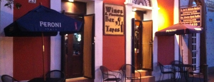 Wine's Bar Tapas is one of Donde pecar.