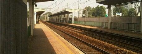 Stazione San Donato Milanese is one of Linee S e Passante Ferroviario di Milano.