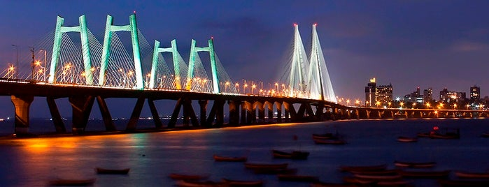 Bandra-Worli Sea Link (राजीव गांधी सेतू) is one of city of dreams.