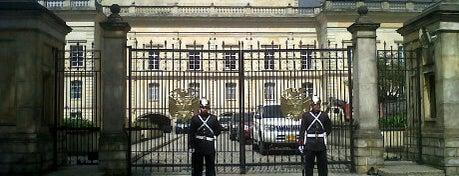 Palacio de Nariño is one of Lugares en Colombia!!!! :D.