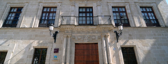 Palacio de Aranibar - Área de Turismo is one of Dependencias municipales.