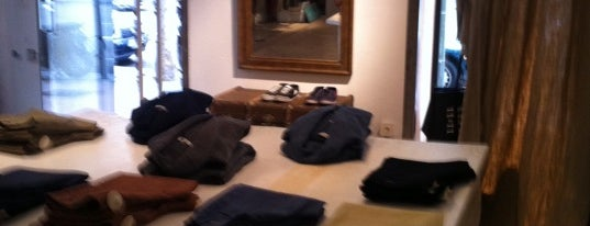 Maguen. 11:11 is one of Shopping in Madrid.