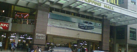 Nagoya Hill Shopping Mall is one of Malls in Batam.