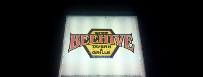 The Beehive Tavern & Grille is one of Official Blackhawks Bars.