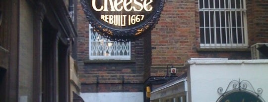 Ye Olde Cheshire Cheese is one of London as a local.