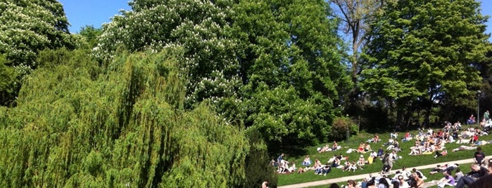 Parc des Buttes-Chaumont is one of (anything) in Paris.