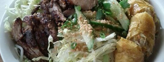 Xe Lua Vietnamese Cuisine 火車頭 is one of DEUCE44 III.