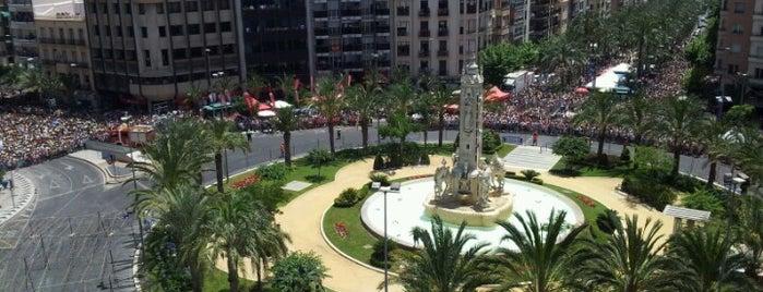 Plaza de Los Luceros is one of Lugares.