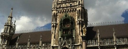 Marienplatz is one of Guía de Munich.
