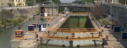 Locks 34 & 35 is one of Must see places in Buffalo for tourists #visitUS.