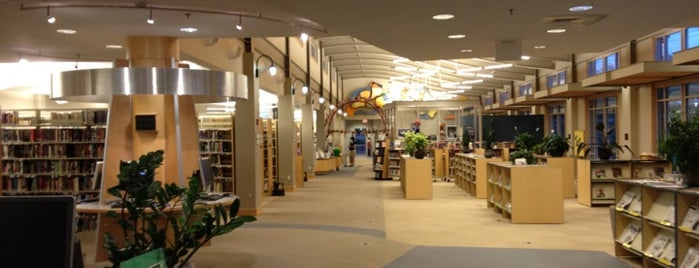 Transylvania County Library is one of Kel's Queendome ;-).