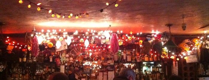 Kettle of Fish is one of Literary Bars in Manhattan.