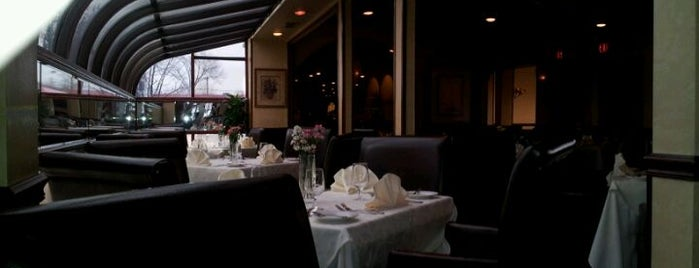 Bareli's Restaurant and Bar is one of Secaucus.
