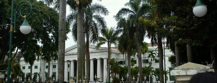 Museum Seni Rupa dan Keramik is one of WISATA SEJARAH.