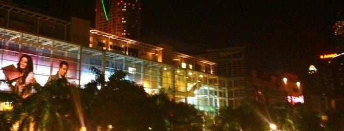 CentralWorld (เซ็นทรัลเวิลด์) is one of Bangkok (กรุงเทพมหานคร).