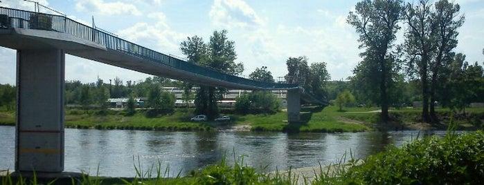 Trojská lávka is one of Pražské mosty.